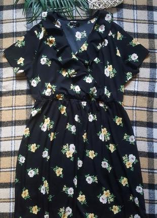 Легкое цветочное платье с рюшами9 фото
