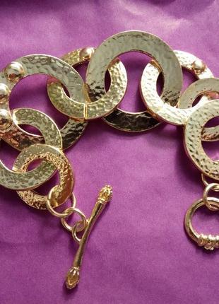 Стильный массивный браслет с золотым покрытием