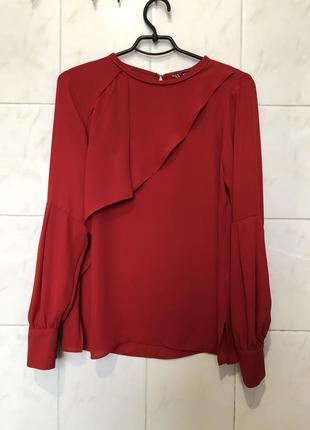 Красная блуза рубашка с рюшами воланами zara