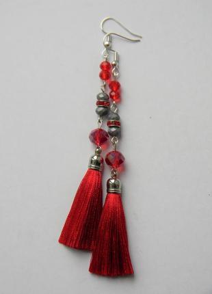 Красные серёжки кисточки с стеклянными камнями