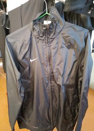 Спотривная курточка легкая nike подростковая
