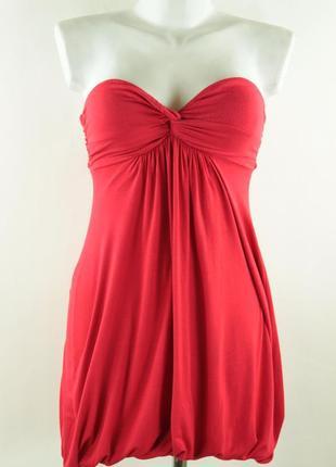 Красное платье-баллон без бретель