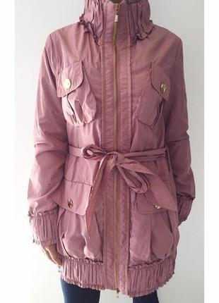 Пальто, плащ, приємного рожевого кольору. стильное пальто нежно-розового цвета