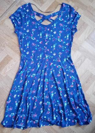 Фирменное лёгкое платье в цветочный принт в стиле бохо