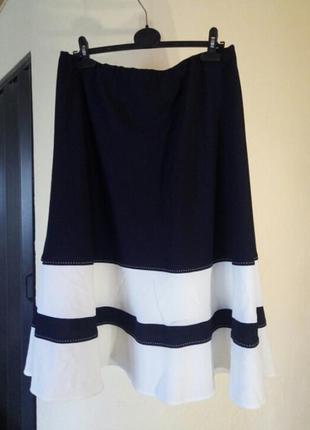 Красивая юбка миди большого размера
