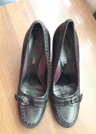 Шкіряні фірмові туфлі  кожа на широку ногу