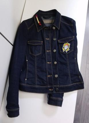 Zara приталенная джинсовка с карманами, rock&roll, череп и гитара