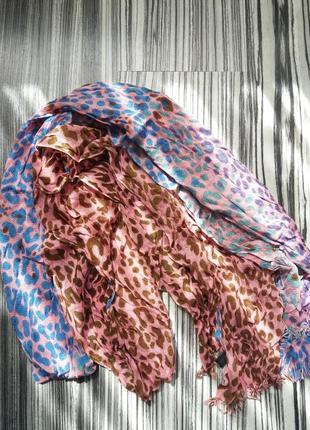 Шарф платок в актуальный анималистический принт