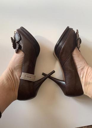 Фирменые туфли стелька 25,5 см