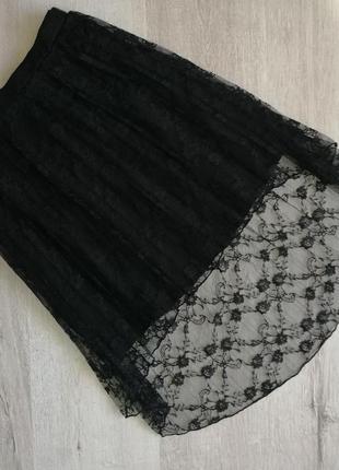 Чёрная гипюровая юбка плиссе