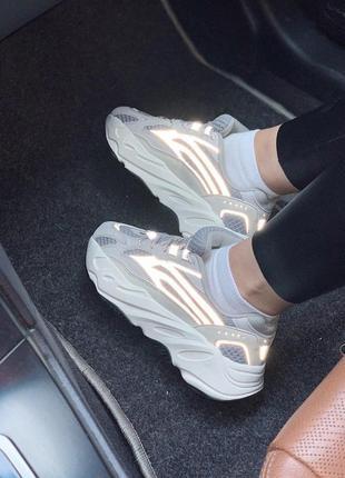 Крутые кроссовки adidas с рефлективными вставками -весна-лето-осень😍1 фото