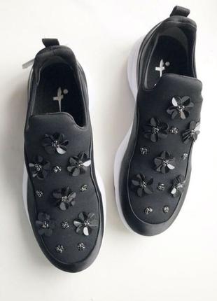 2019 кроссовки в цветочки