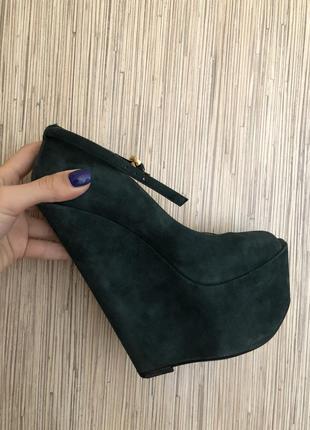 Замшевые туфли босоножки на платформе