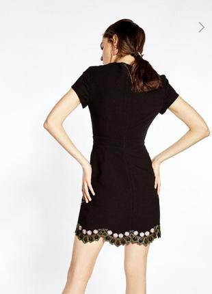 Платье с вышивкой sfera испания6 фото