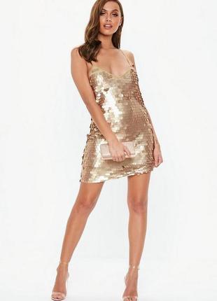 Платье на бретелях в золотые матовые паетки