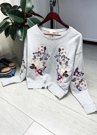 Сірий свитшот/свитер в вишивку