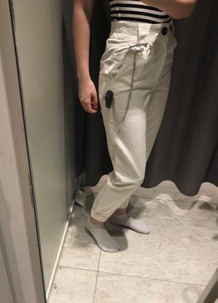 Белые брюки джинсы7 фото
