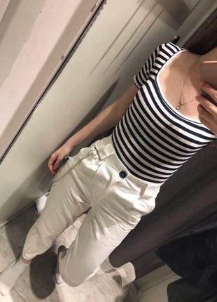 Белые брюки джинсы9 фото