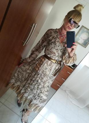 Шикарное платье италия  весна 2019