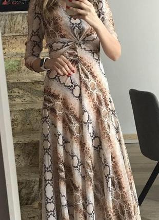 Отличное платье maje