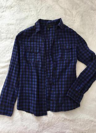 Синя рубашка в клітинку