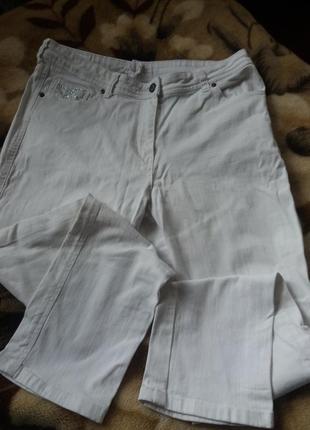 Белые джинсы m&co petite