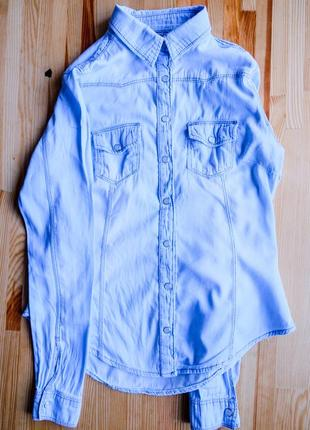 Крутая джинсовая рубашка