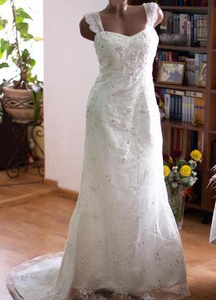 Свадебное платье рыбка со шлейфом.