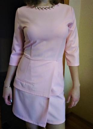 Платье коктейльное персикового цвета с запахом размер m-l