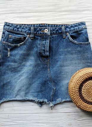 Винтажная джинсовая мини юбка синяя трапеция с необработанным краем бахромой