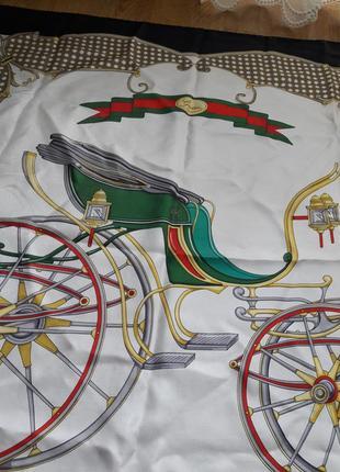 Винтажный шелковый платок gucci.