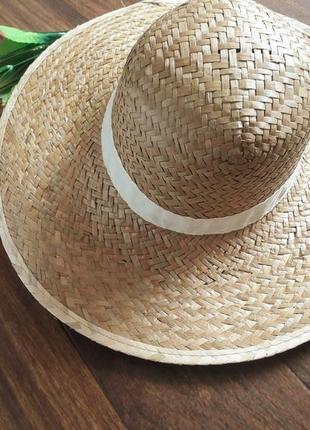 Соломенная пляжная шляпа из натуральной соломки с широкими полями