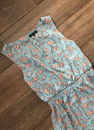 Платье в цветочний принт, в цветы, голубое.