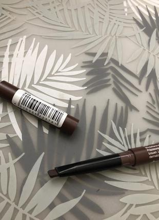 Карандаш для бровей коричневый
