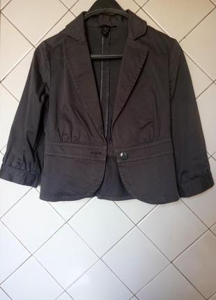 Серый приталенный пиджак от h&m