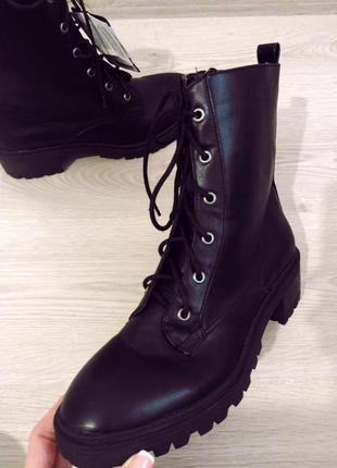 Черные ботинки, последняя пара6 фото