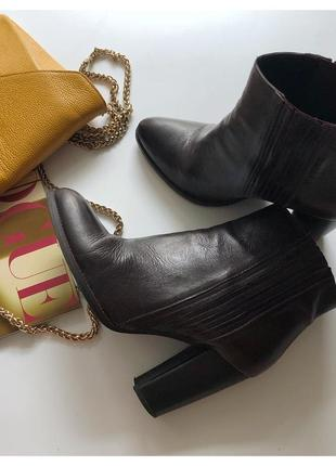 Кожаные стильные ботинки zara рр 39