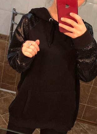 Чёрное худи с капюшоном с кармашками с лаковыми карманами river island1 фото