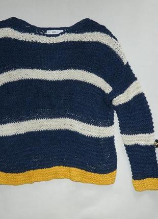 Стильный обьемным весенний свитер