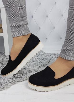 Новые черные женские туфли лоферы на тракторной подошве