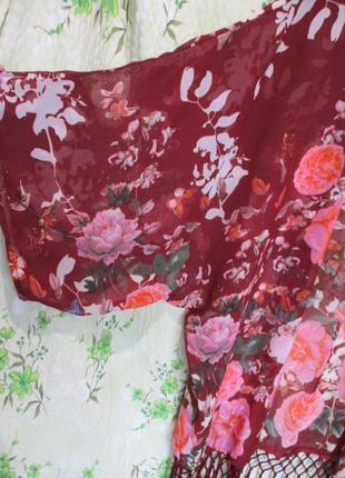 Яркая шифоновая накидка кимоно с бахромой в цветочный принт4 фото
