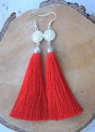 Серьги серёжки кисти кисточки пышные красные со сверкающим камнем