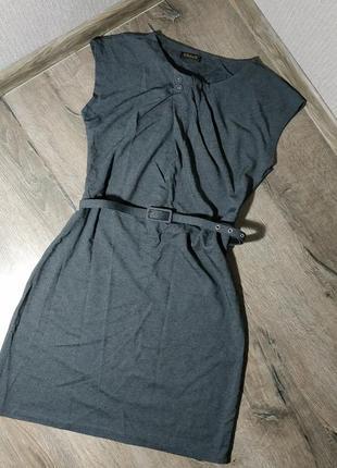 Стильное платье миди с поясом