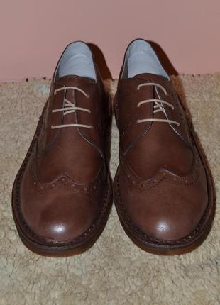 Уценка! кожаные стильные туфли. италия!