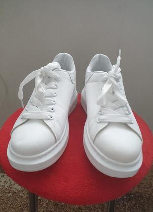 Кроссовки белые на высокой подошве сетка с люрексом