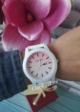 Женские наручные часы lacoste