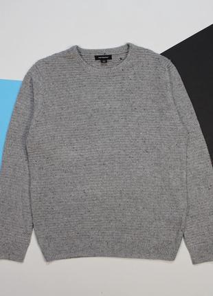 Четкий легкий свитерок с черными вкраплениями от cedarwood state