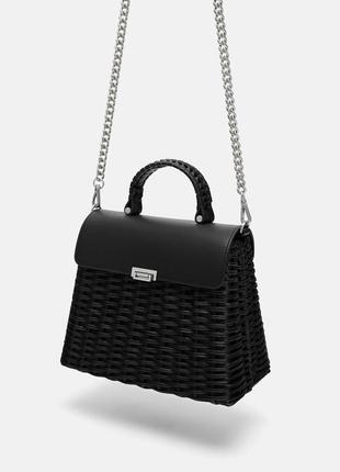 Черная сумка из рафии