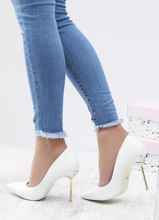 Новые белые женские туфли лодочки
