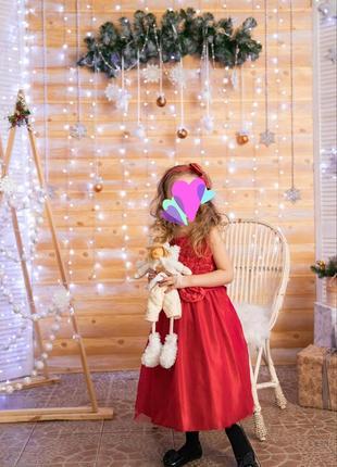 Фирменное,выпускное,праздничное платье на выпускной до 7 лет плюс шубка в подарок